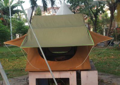 Tenda mobil bagian belakang